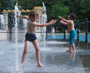 Heerlijk met water spelen