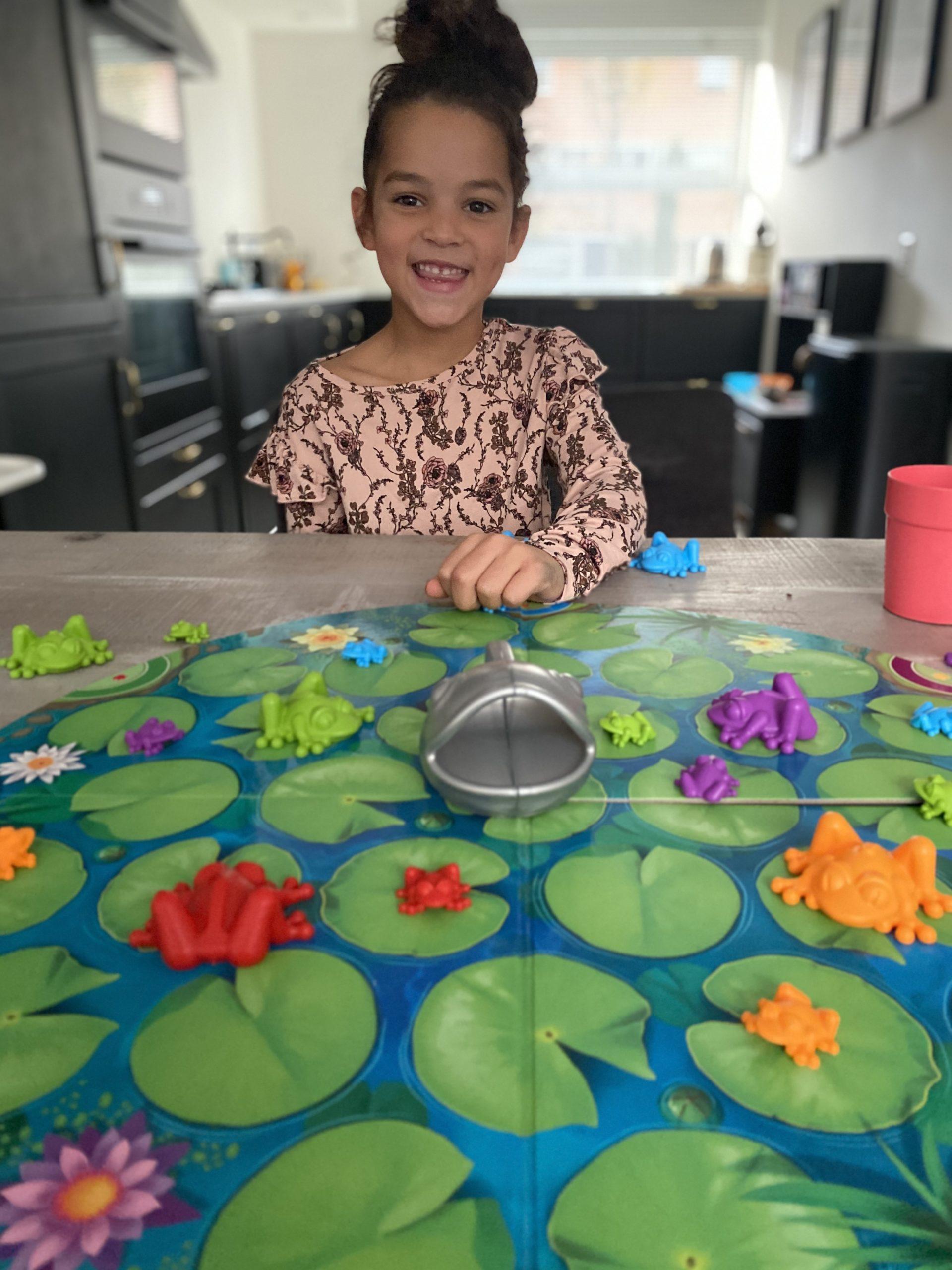 """Froggit is een multi-level bordspel waar we eerder over hebben geschreven tijdens de """"speelgoed van het jaar verkiezing"""". Je kunt hem winnen!"""