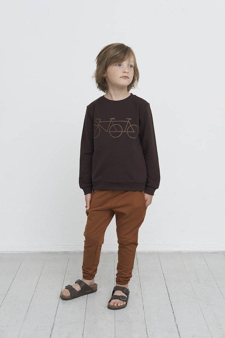 Gro Company is een Scandinavisch duurzaam merk, dat gekenmerkt is door basic en super comfy kinderkleding voor de jongens en meisjes.
