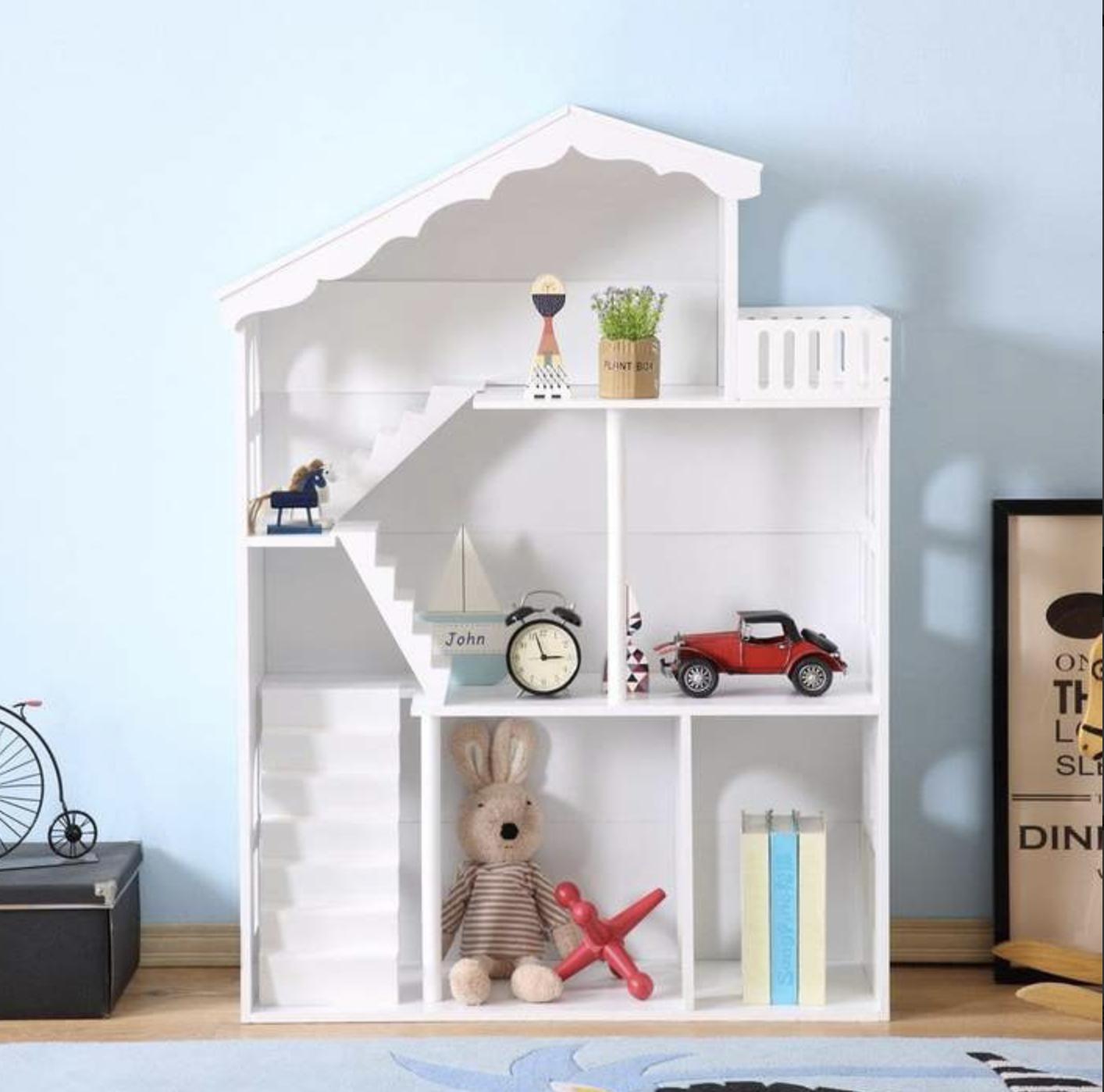Een poppenhuis geeft als decenia lang speelplezier en daarom een investering die zijn geld waard is. Wij delen een 3-in-1 poppenhuis.